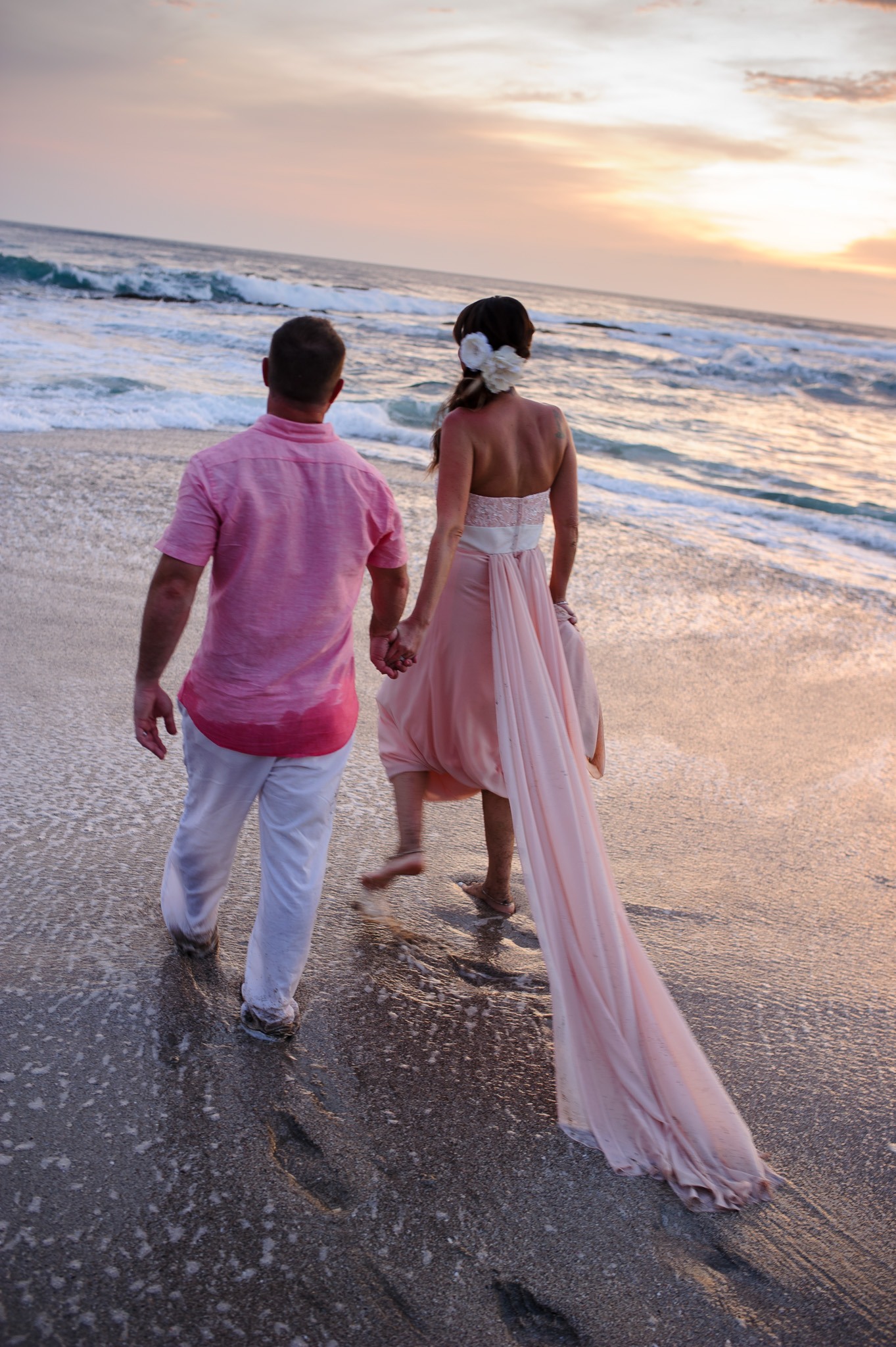 Sunset elopement photos Costa Rica