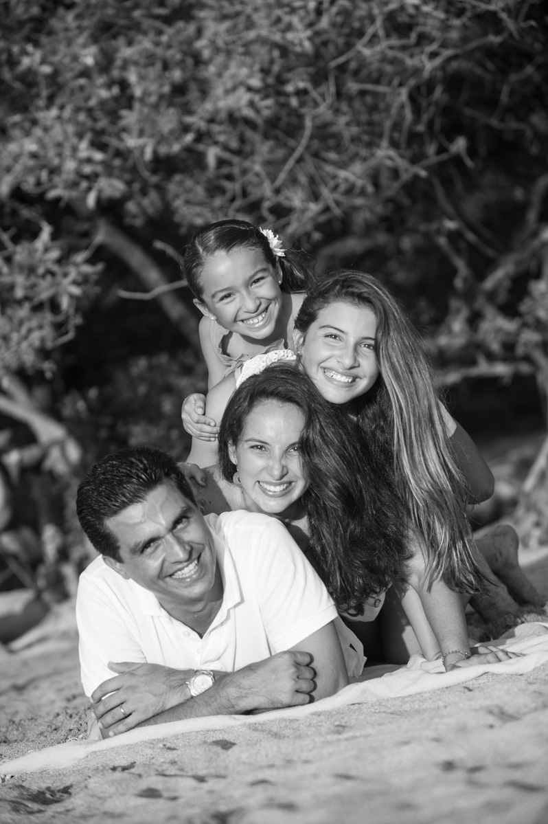 Tamarindo Family Photos-13.jpg