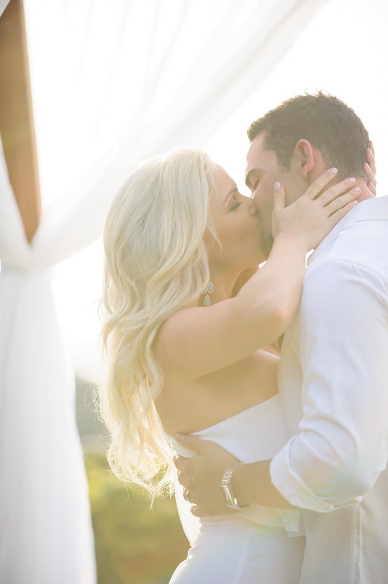 Best elopement photographer in Costa Rica