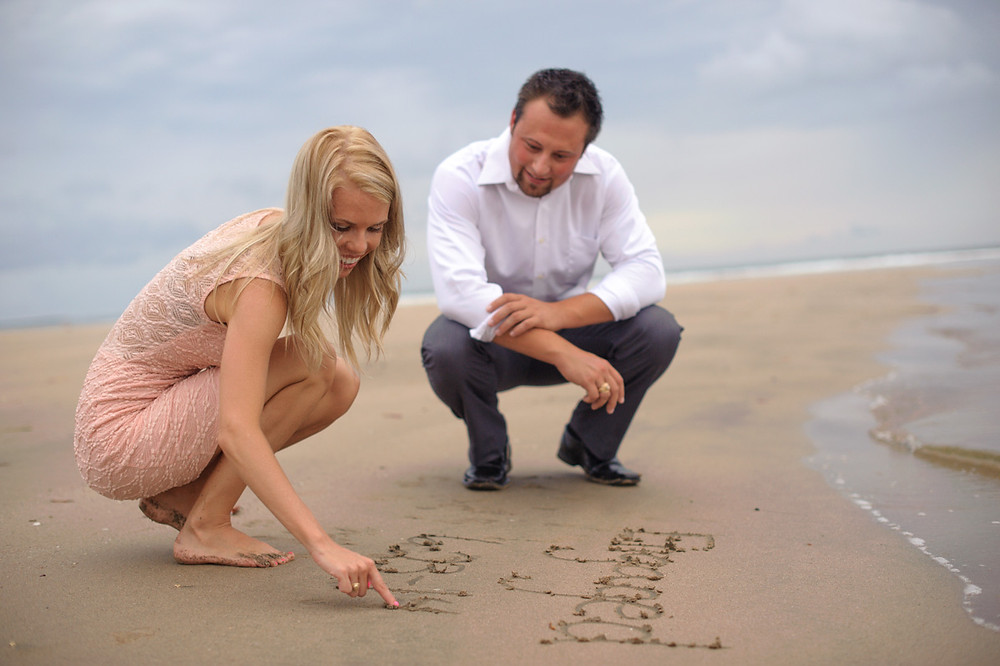 Tips for planning a surprise engagement in Costa Rica with a professional photographer