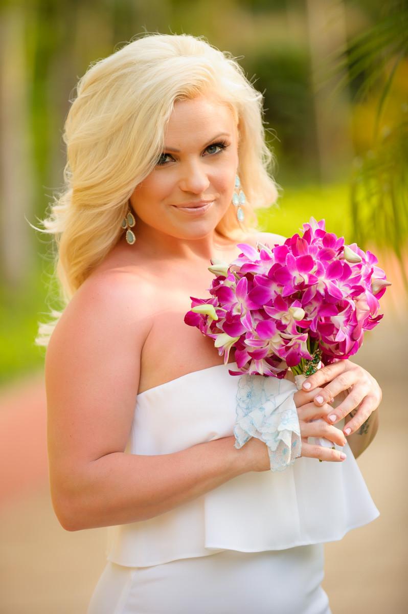 Bridal portrait photographer for Costa Rica elopement