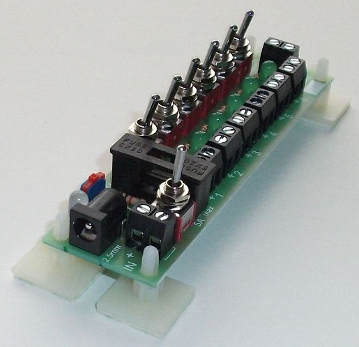 CN169 Individually Switched Power Distribution Board