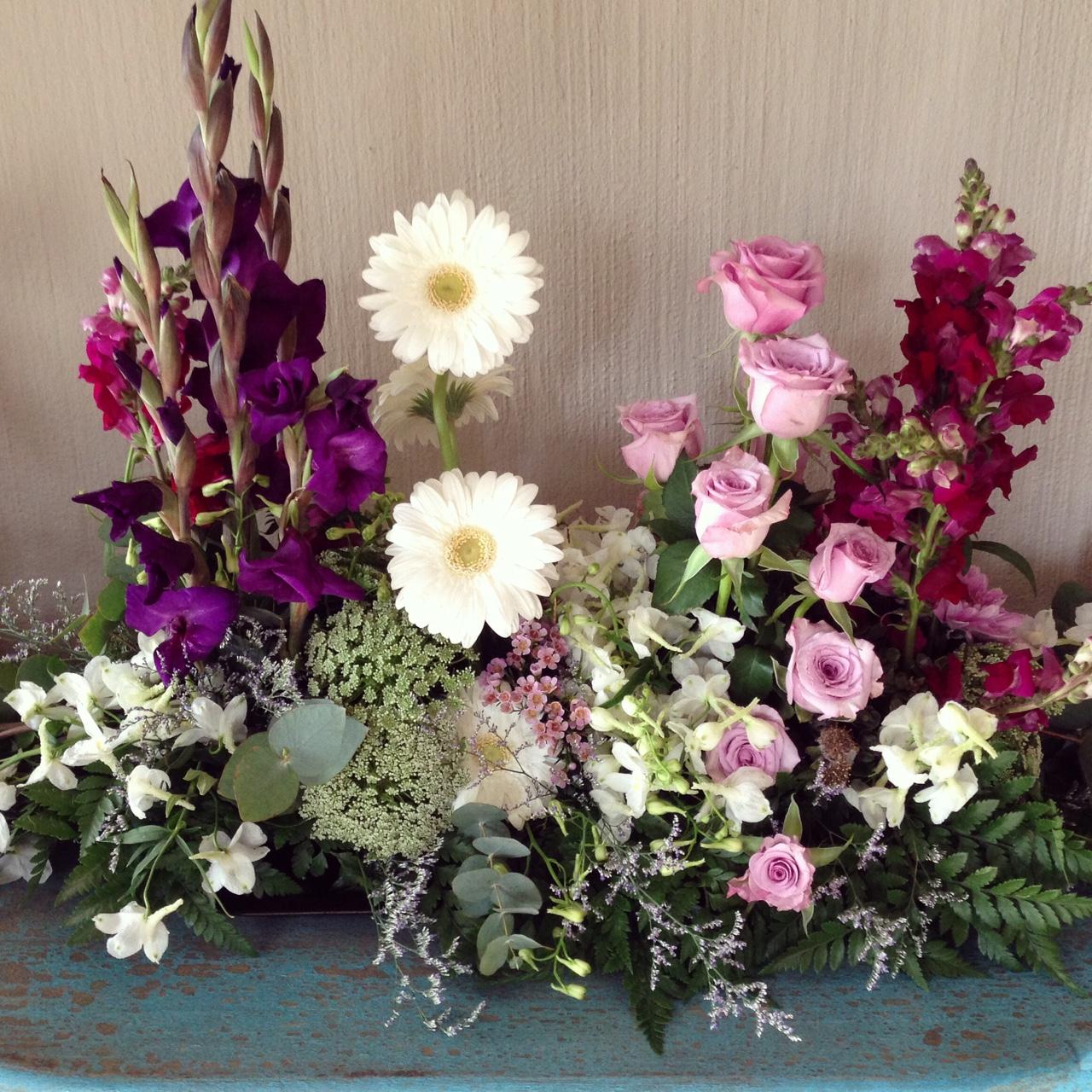 Chapel table arrangement
