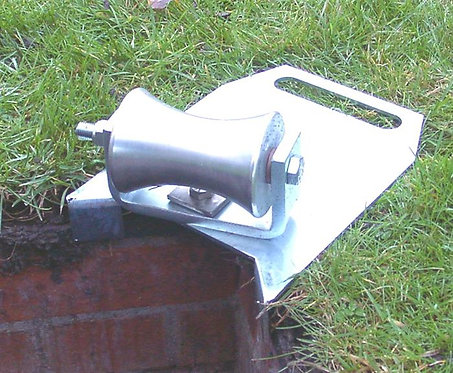 Edge-Corner-Mount-Swivelling-Manhole-Lead-In-Cable-Roller