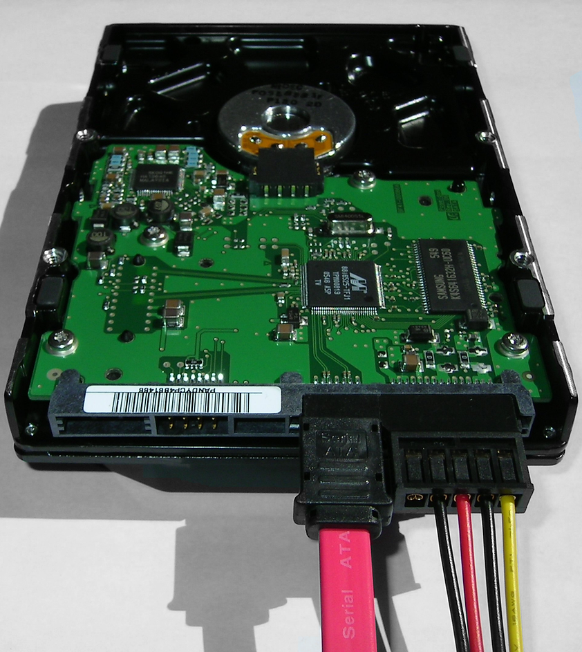 Serial_ATA_hard_disk_connected.png