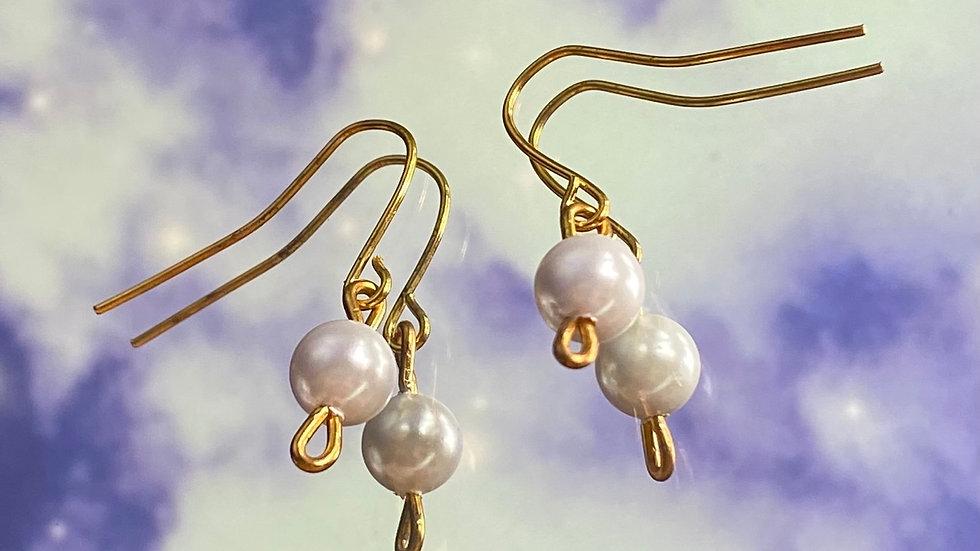 Pearl earrings ✨
