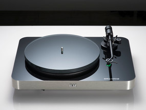 ELACのアナログ・プレーヤーMIRACORD 70は8月発売予定です