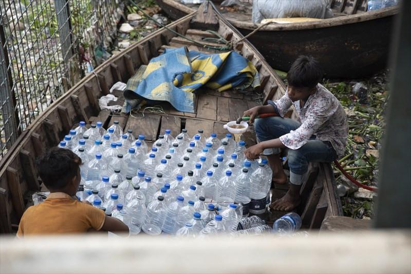 飲料水販売/ストリートチルドレン
