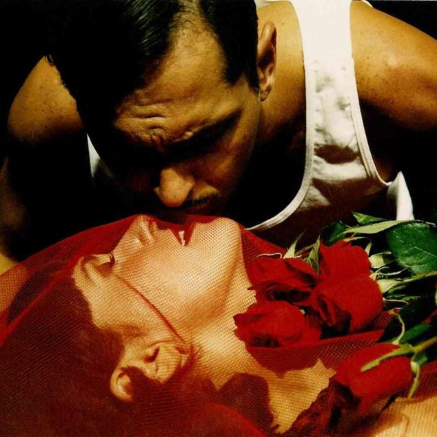 A Falecida, de Nelson Rodrigues. Com Dora Wainer. Foto Milla Petrilo