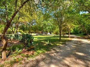 040_Private Driveway.jpg