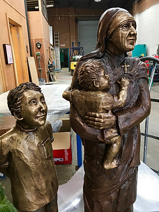 Mother Teresa & Children in Foundry - Mo