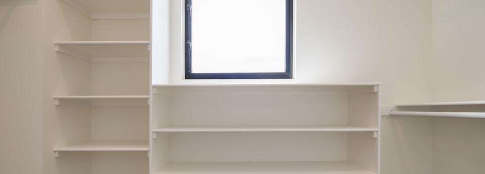 18_Master Suite-Walk In Closet-1.jpg