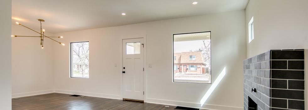 4_Living Room-3.jpg