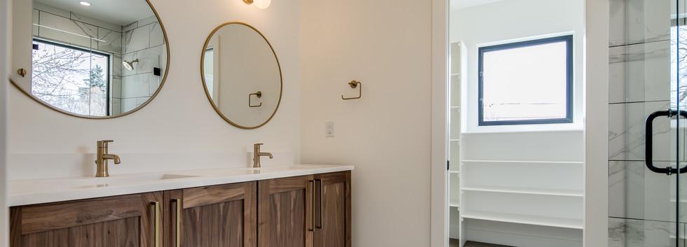 16_Master Suite-Bathroom-1.jpg