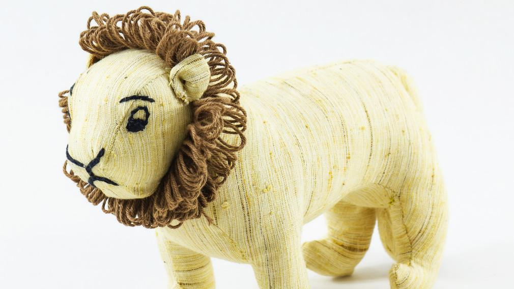 Ashok, the Asiatic Lion Khadi Soft Toy 3 quarter view