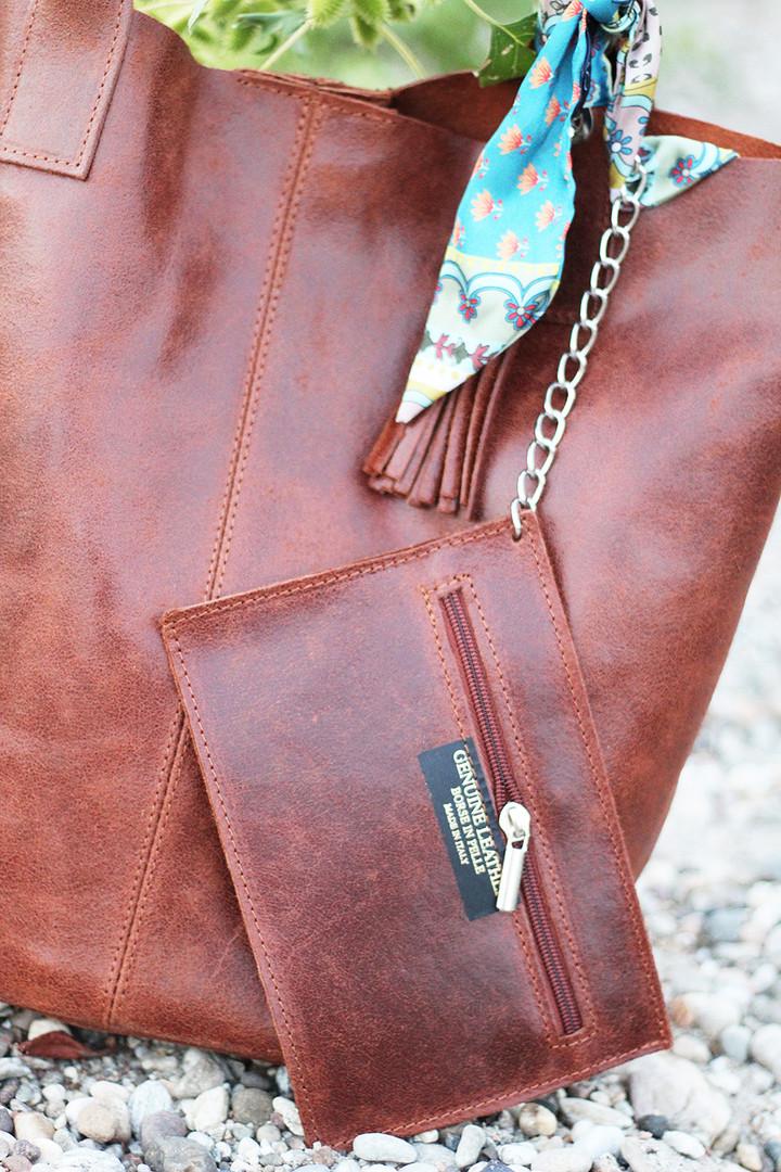 detail-leather-bag.jpg