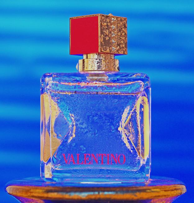 georgiana-tufeanu-product-photographer-milan-valentino-perfume.jpg