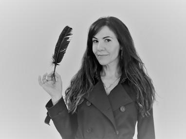 Gisela Biacchi recita Indy Sales
