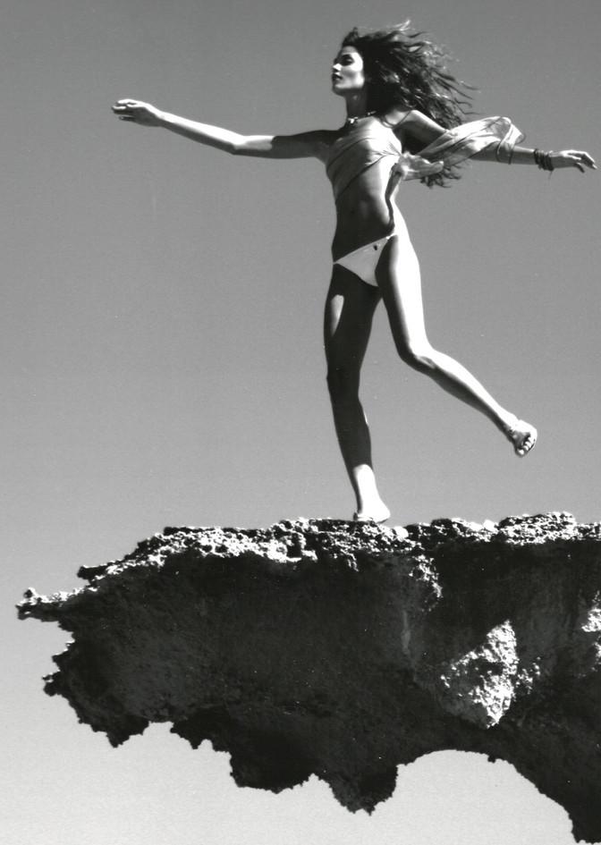 El pais Beatriz Barros volando.jpg