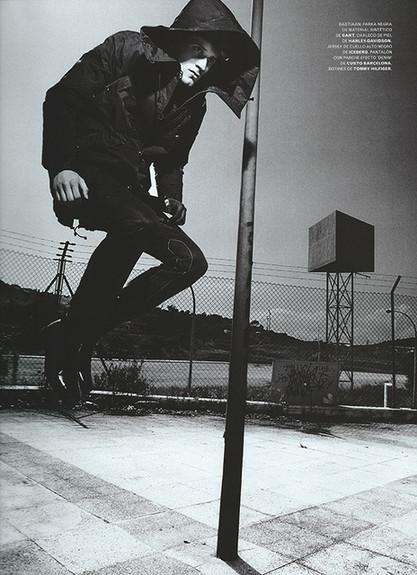 Nox-hombre-saltando-barraWEB.jpeg