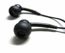 headphones-1418406.jpg