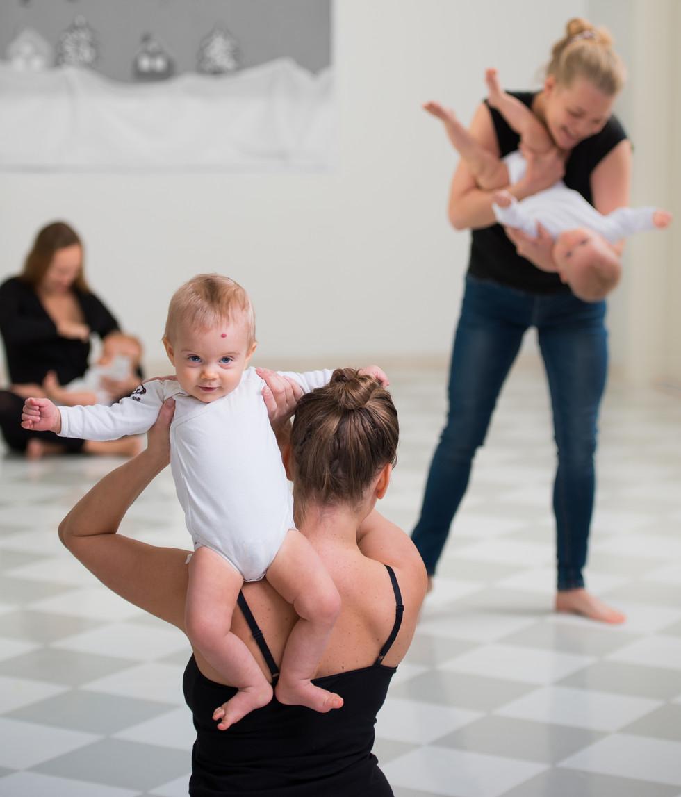 Vauvanykytanssi_Photo Eelis Arposalo