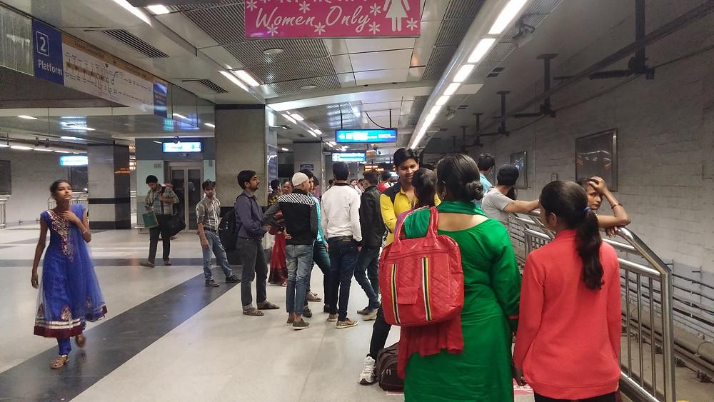Delhi metrosu