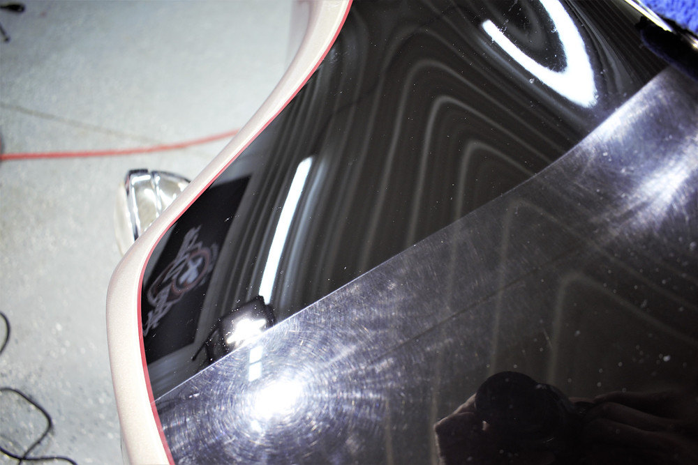 Compounding and polish on Harley Fairing