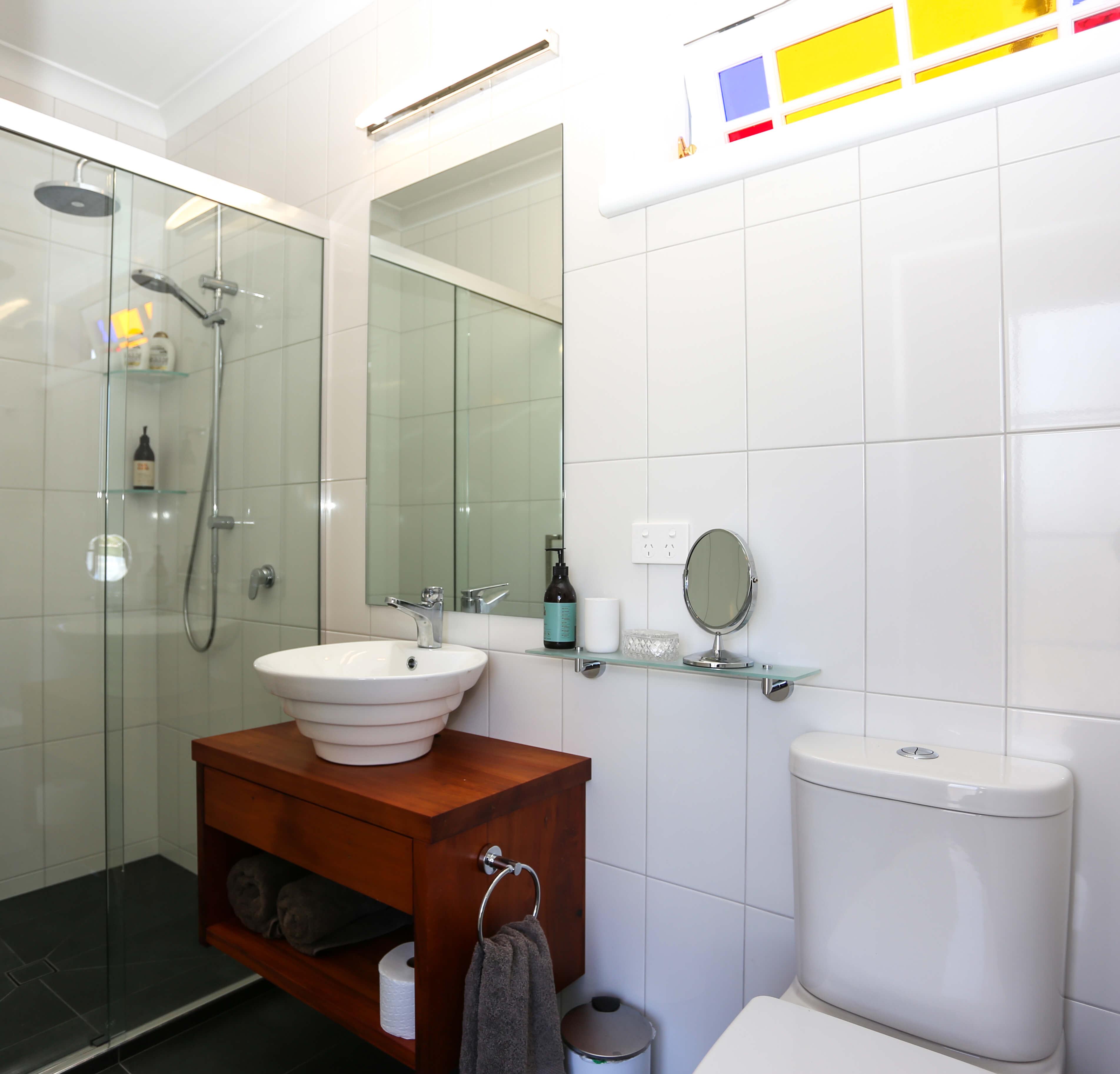 21 Matai Bathroom_crop