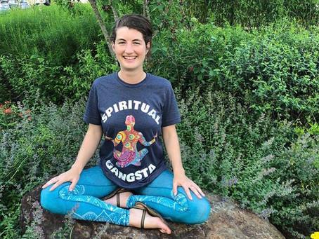 Discovering Yoga by Sam Moynan