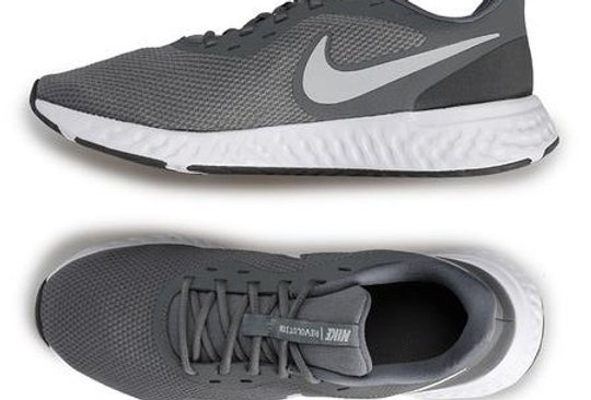 נעלי ספורט נייקי
