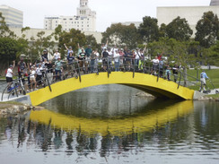Bridge n trikkes.jpg