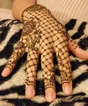 Lace Henna Hand