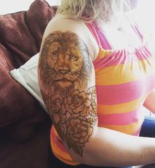 Henna Heals Lion