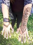 Medium Hand Henna