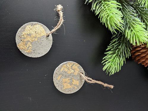 Mini cement Christmas ornament: Gold leaf