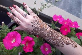 Medium Floral Henna Hand