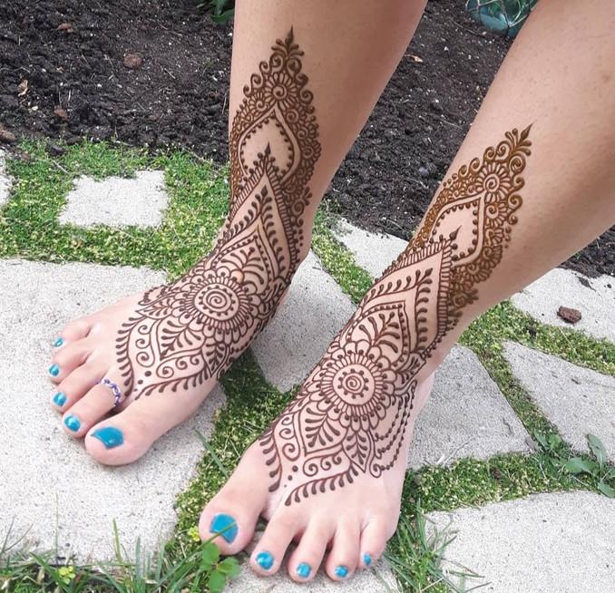 Traditional Henna Feet