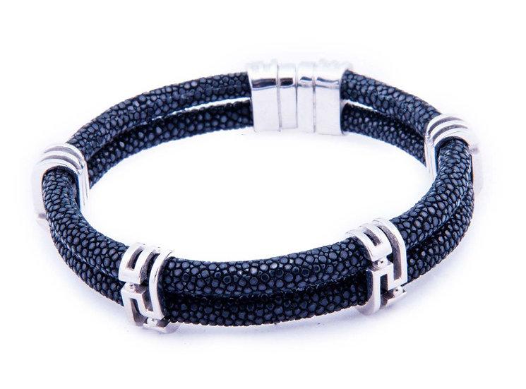 Black stingray Vrs bracelet