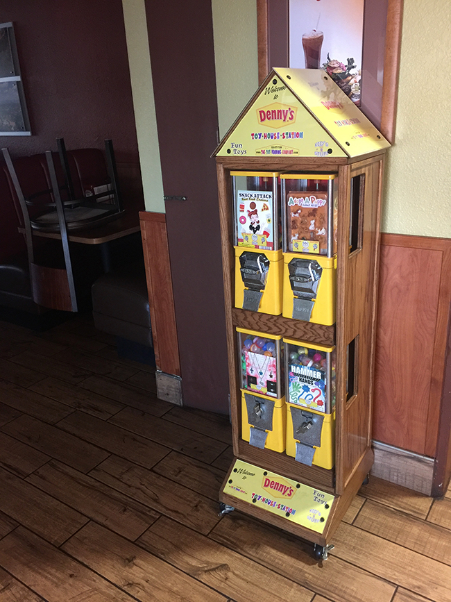 toy house dennys.png