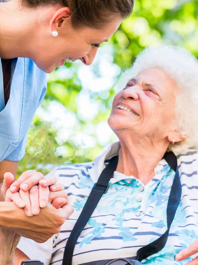 Aged-Care-Worker-16.9.jpg