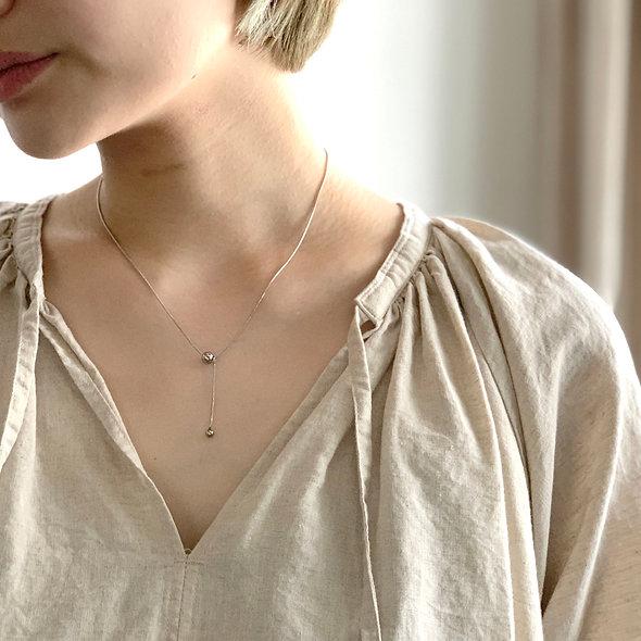 W ball motif necklace_sp283