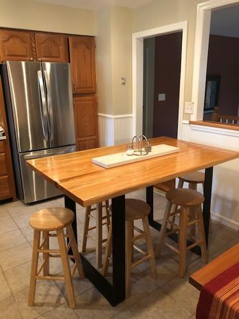Oak Dining Table.JPEG