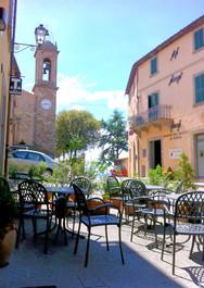 seggiano_straßencafe_piazza.jpg