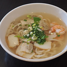 S6 - Soupe de pâtes de riz aux porc haché, crevettes, et pâté de poisson