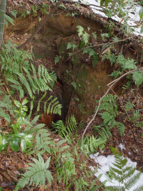 手掘りの井戸の跡
