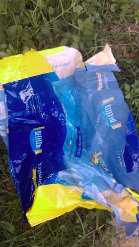 Empaque plástico (ruidoso o crocante) Reciclaje Inviable.