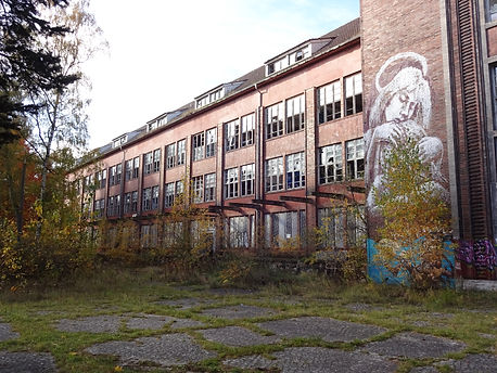 Heeresbekleidungsamt Bernau, Nazi and Soviet barracks