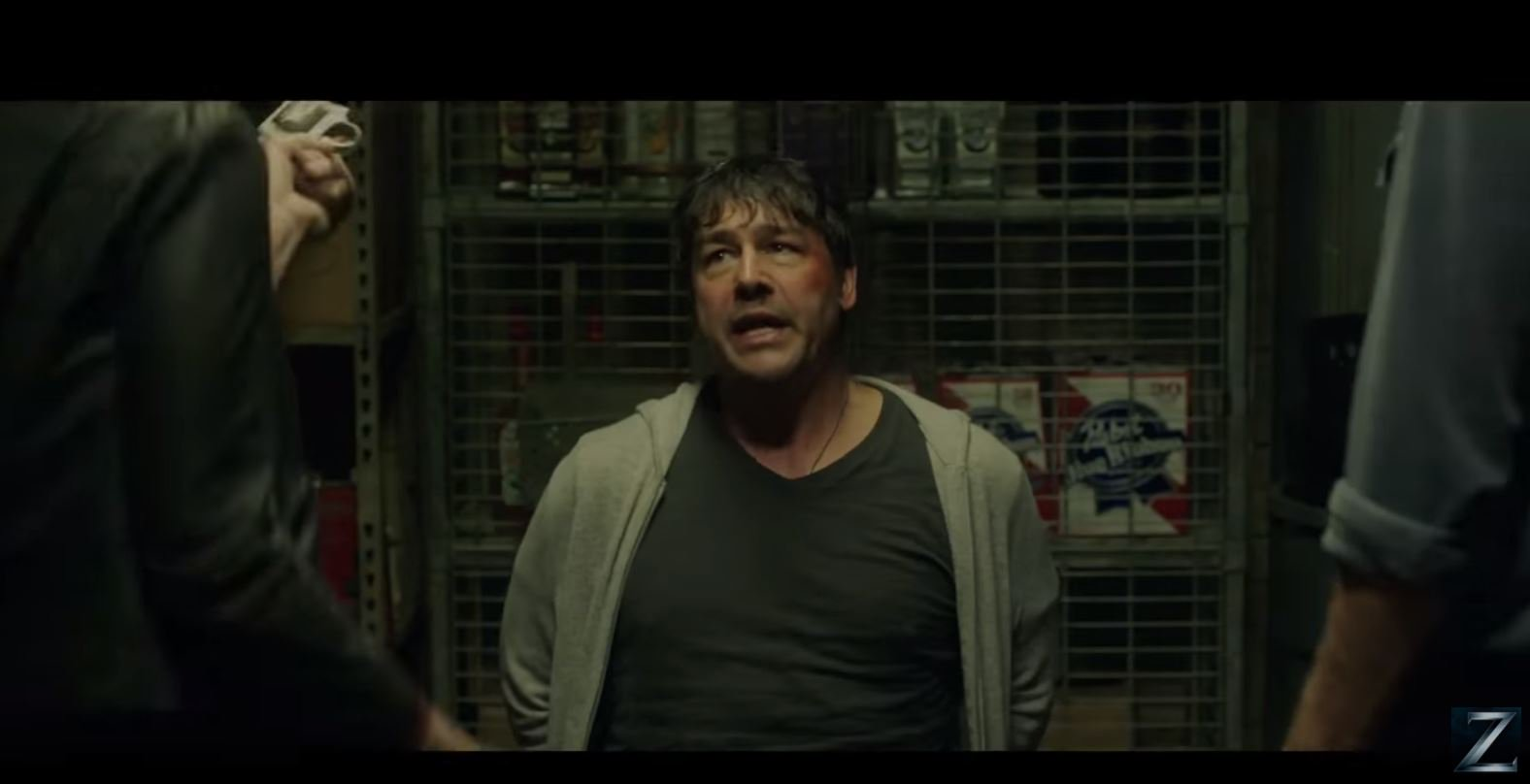 Kyle Chandler Stil GN Beat up