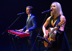 kylie jane & Matt Mclaren live